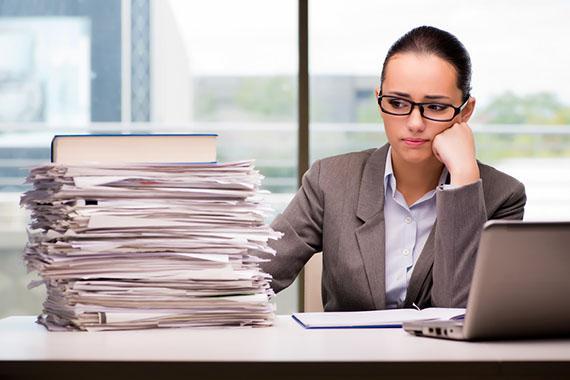 Какие кадровые процедуры и документы работодатель может автоматизировать уже сейчас, а от ведения каких документов следует отказаться, узнаем на вебинаре РМЦ по оптимизации кадрового делопроизводства 21 июня. Регистрация уже открыта!