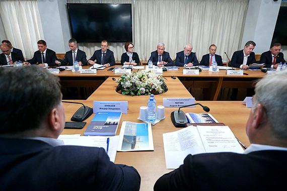 """Эльвира Набиуллина: «Запрещать микрофинансирование в РФ ни в коем случае нельзя"""""""