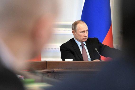 Владимир Путин: «Известная бабушка из Достоевского – очень скромный человек по сравнению с нашими сегодняшними ростовщиками»