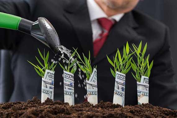 Банк России утвердил два новых базовых стандарта: стандарт совершения операций КПК на финансовом рынке и стандарт по управлению рисками в МФО